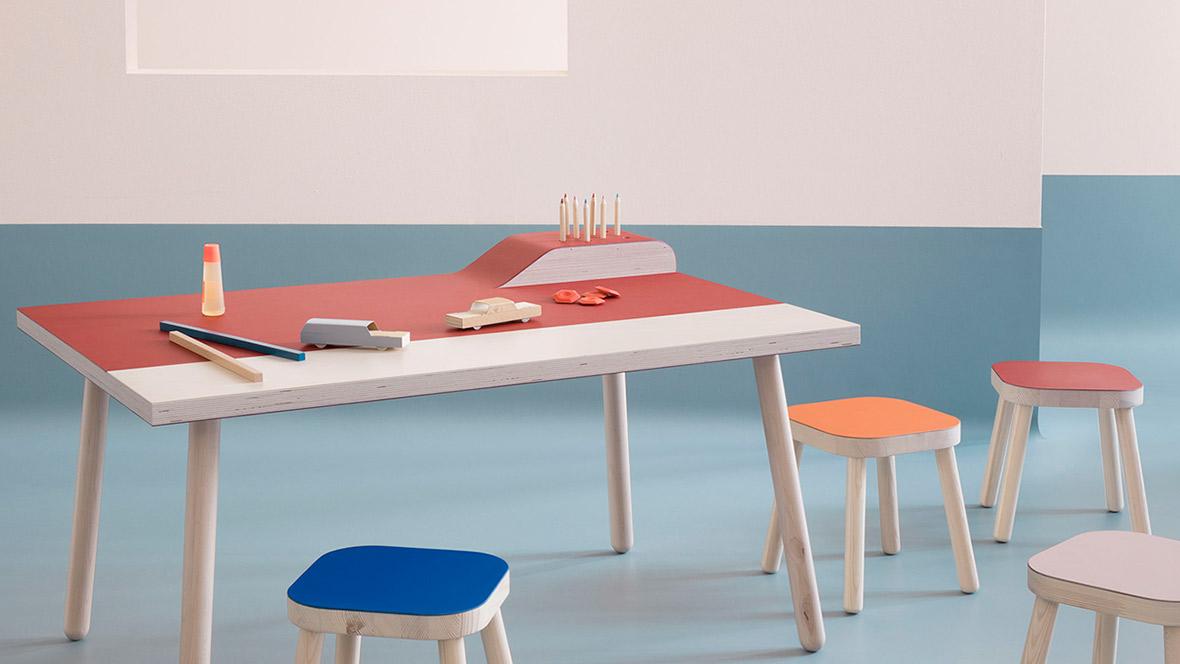 линолеум за мебели